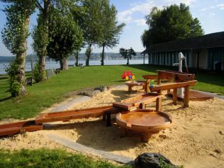 Wasserspielplatz im Strandbad